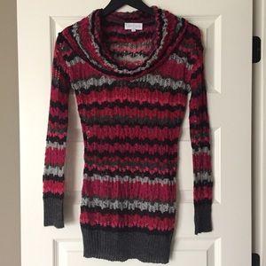Jessica Simpson maternity sweater